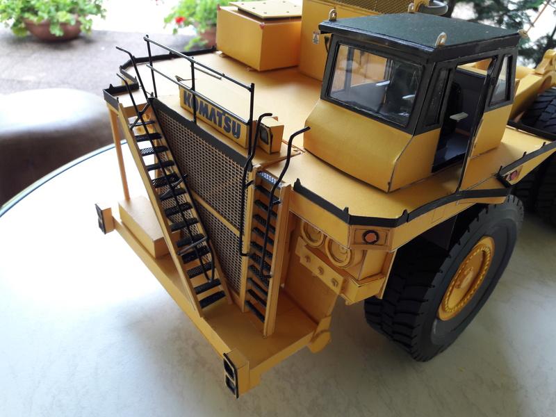 Fertig - Tagebau-Truck Kamatsu 830 E-AC gebaut von Holzkopf - Seite 4 20170618