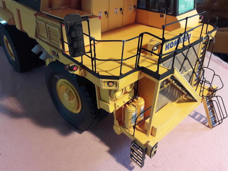 Fertig - Tagebau-Truck Kamatsu 830 E-AC gebaut von Holzkopf - Seite 5 20170712