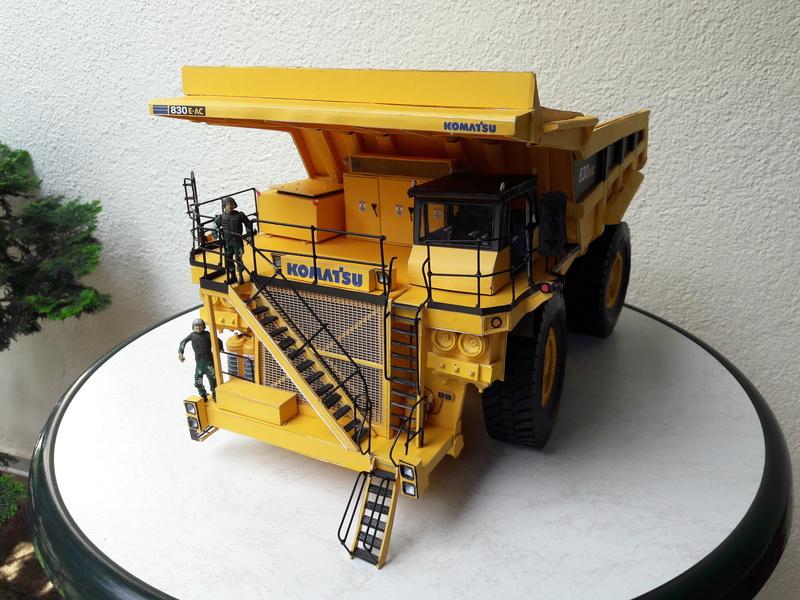Fertig - Tagebau-Truck Kamatsu 830 E-AC gebaut von Holzkopf - Seite 5 20170713