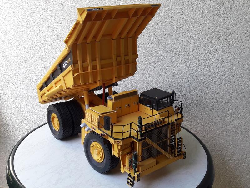 Fertig - Tagebau-Truck Kamatsu 830 E-AC gebaut von Holzkopf - Seite 5 20170714