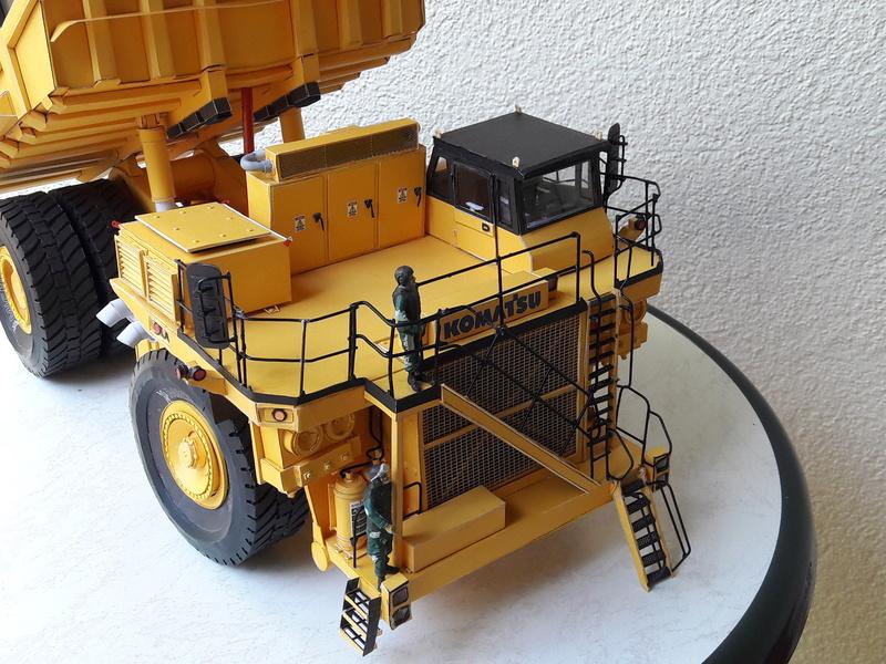 Fertig - Tagebau-Truck Kamatsu 830 E-AC gebaut von Holzkopf - Seite 5 20170715