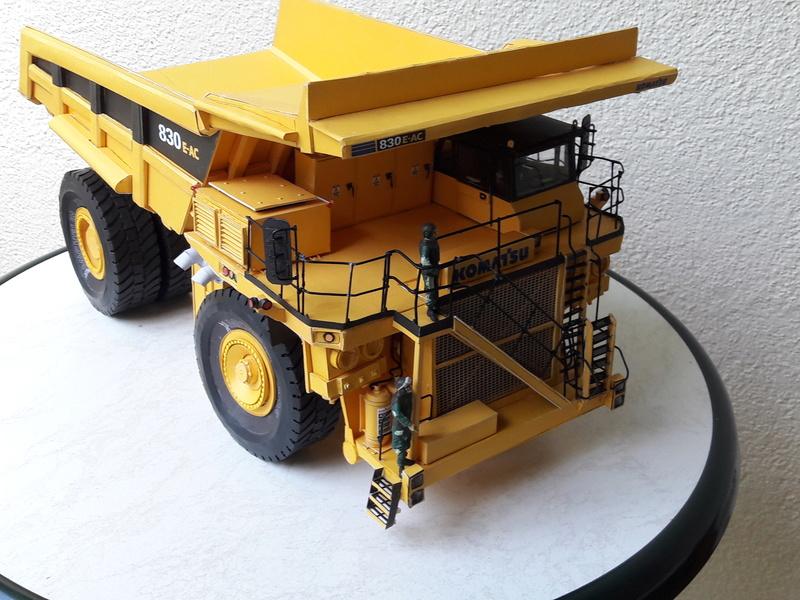 Fertig - Tagebau-Truck Kamatsu 830 E-AC gebaut von Holzkopf - Seite 5 20170716