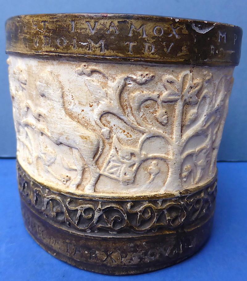 Unusual Ancient Style Pot P1350914