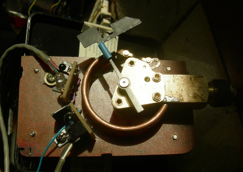 Réalisation d'un manostat pour pompe à vide (à l'ancienne) Dscn5015