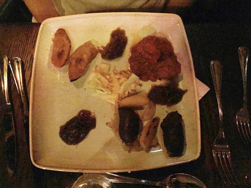 [Service à table] Captain Jack's - Restaurant des Pirates - Page 4 Entree10