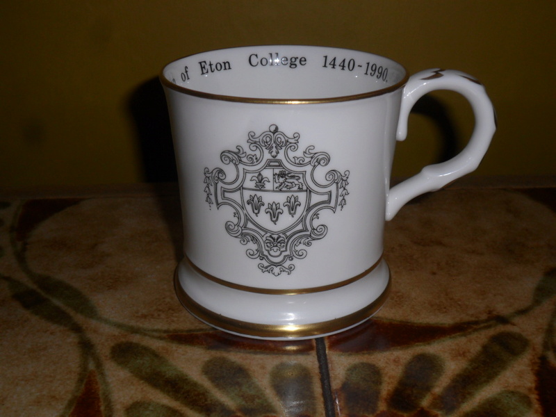 COALPORT ETON COLLEGE COMMEMORATIVE CUP Sam_6613