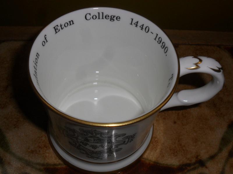 COALPORT ETON COLLEGE COMMEMORATIVE CUP Sam_6614