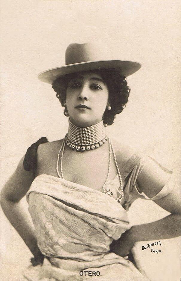 100-летние фотографии самых красивых женщин тех времен. Eeeize10
