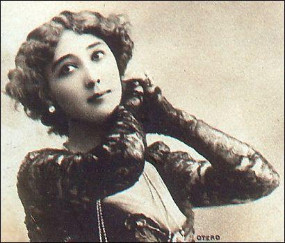 100-летние фотографии самых красивых женщин тех времен. Eeeize11