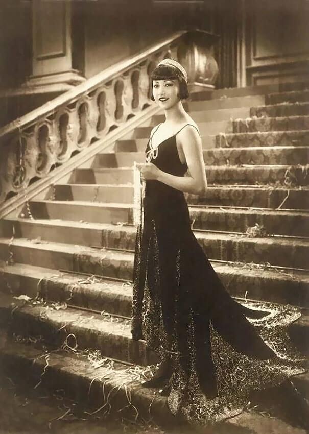 100-летние фотографии самых красивых женщин тех времен. Izz_a_10