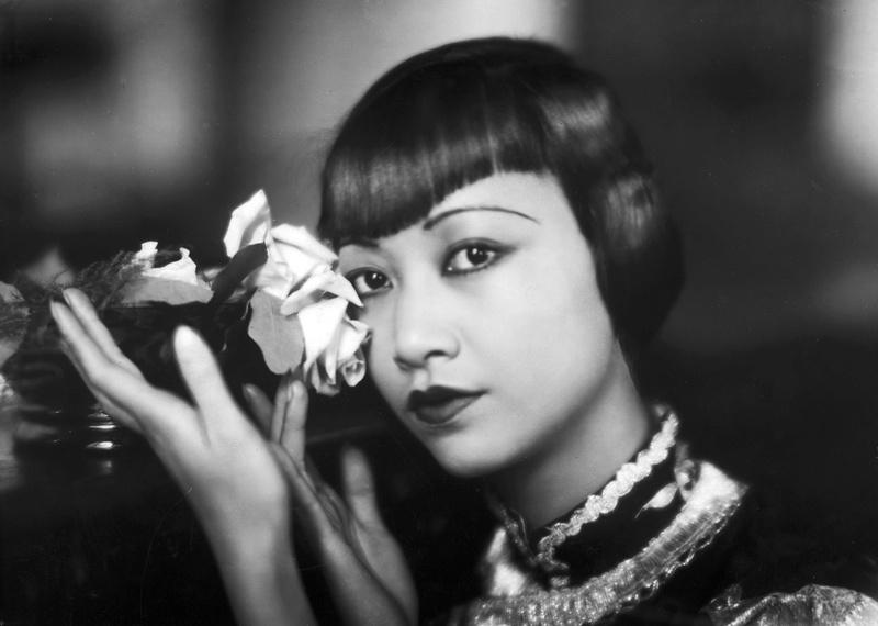 100-летние фотографии самых красивых женщин тех времен. Izz_a_11