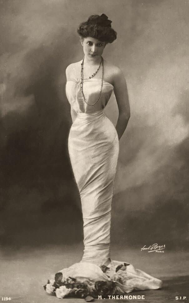 100-летние фотографии самых красивых женщин тех времен. M_ther10