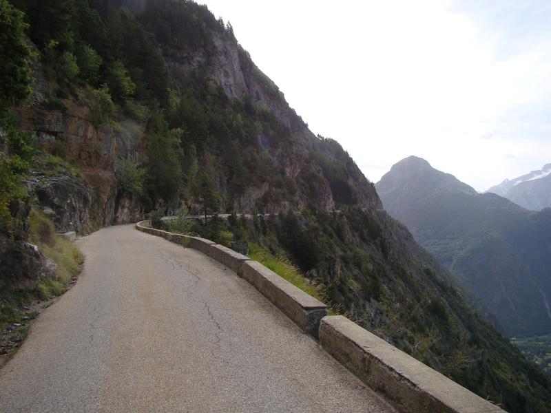 les routes du  vertige dans l'Oisans Dsc08414