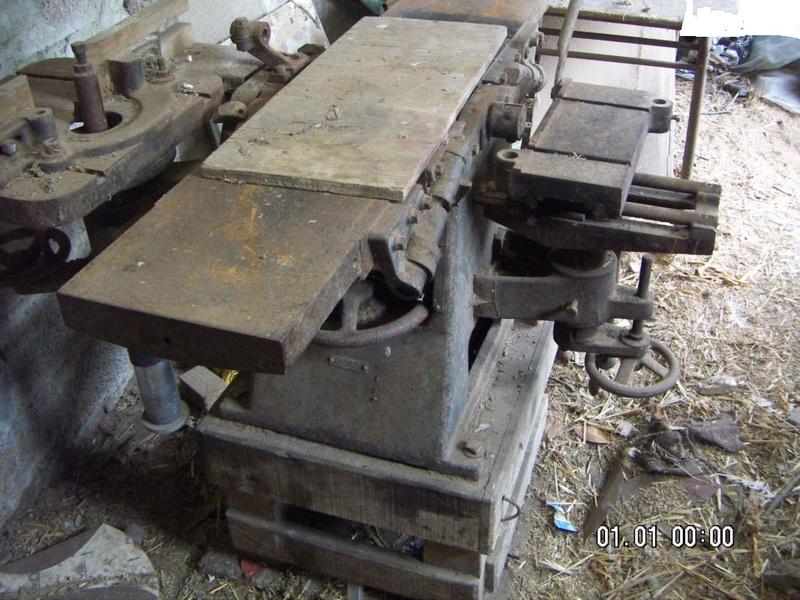 Machine à bois de marque inconnue... 8ab87310