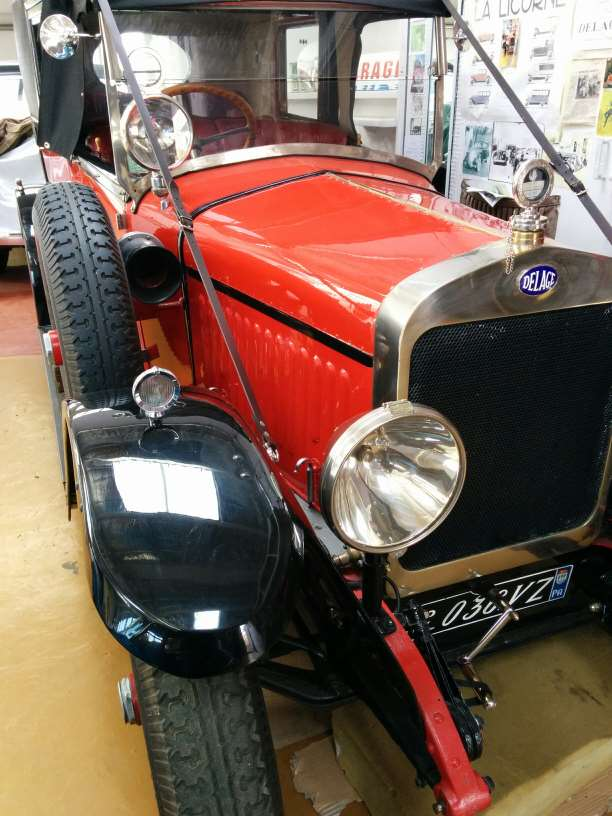 """Musée autos """"les vieilles soupapes"""" à Plougasnou (Finistère) 2203"""