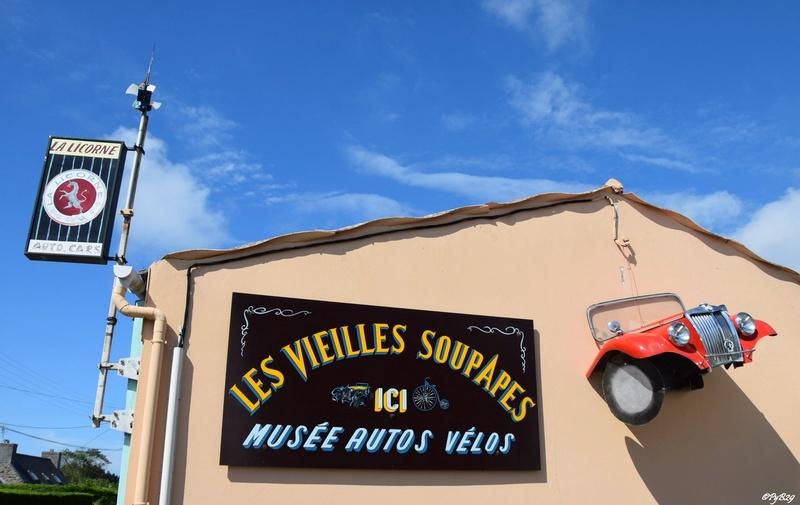 """Musée autos """"les vieilles soupapes"""" à Plougasnou (Finistère) 758"""