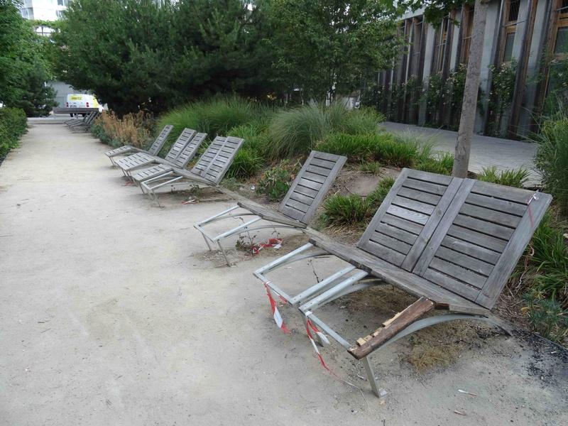 Dégradation du mobilier urbain - Page 2 Dsc02246
