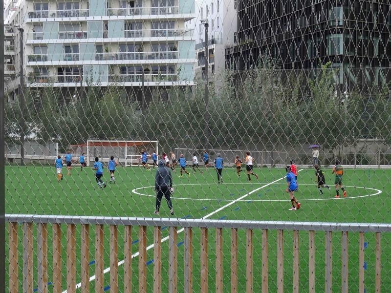 Terrain de foot et de rugby Dsc03639
