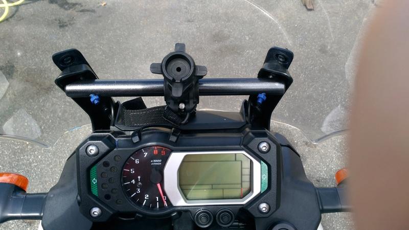 Support GPS sur compteur pour xtz de 2012 P_201716