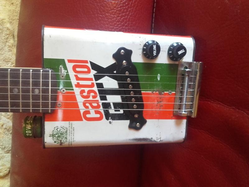 castrol box guitar 20170710