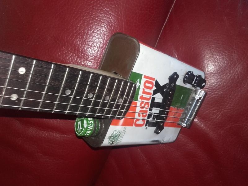 castrol box guitar 20170711