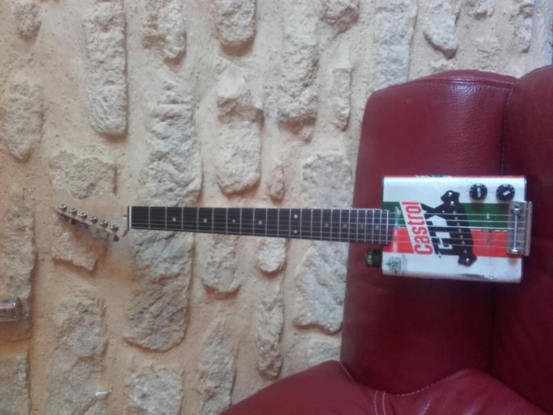 castrol box guitar 20170714