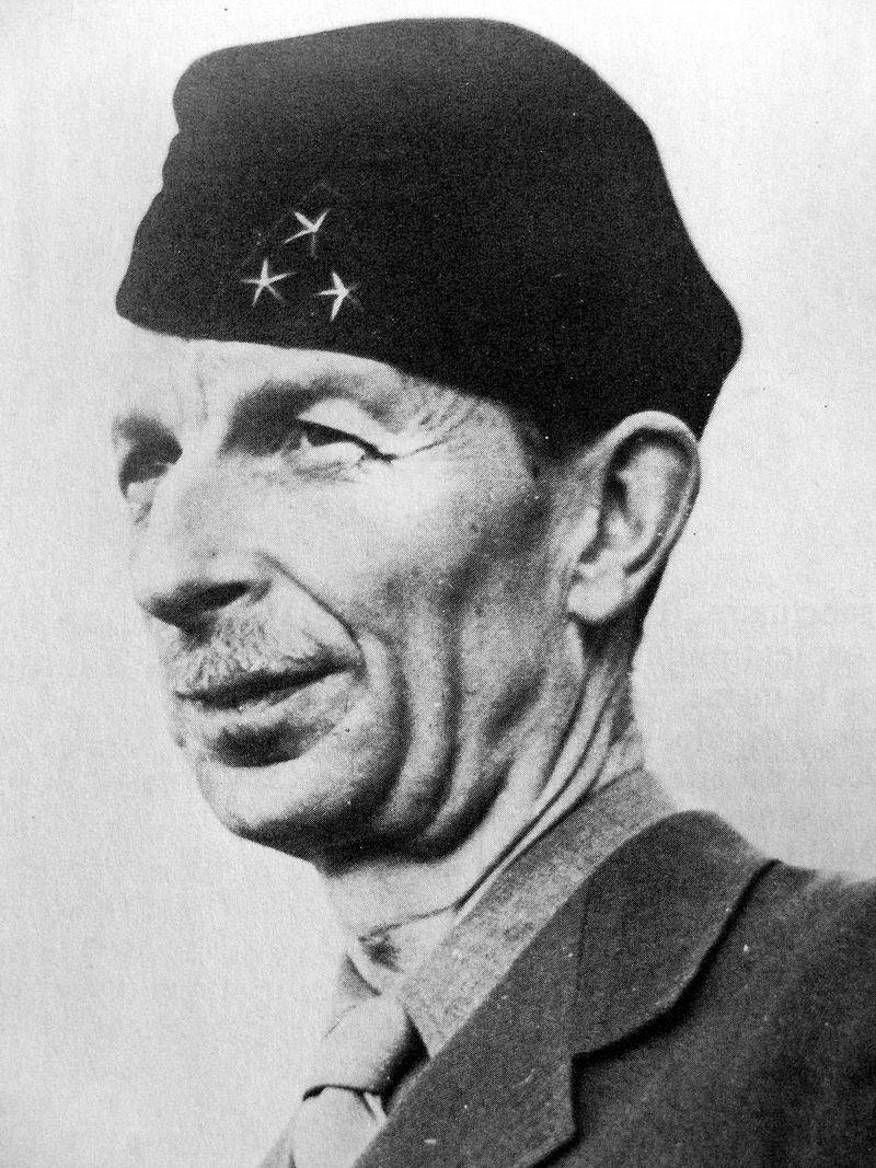 LFC : 16 Juin 1940, un autre destin pour la France (Inspiré de la FTL) - Page 4 800px-12
