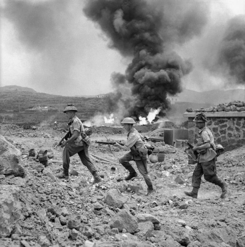 LFC : 16 Juin 1940, un autre destin pour la France (Inspiré de la FTL) - Page 4 Men_of10