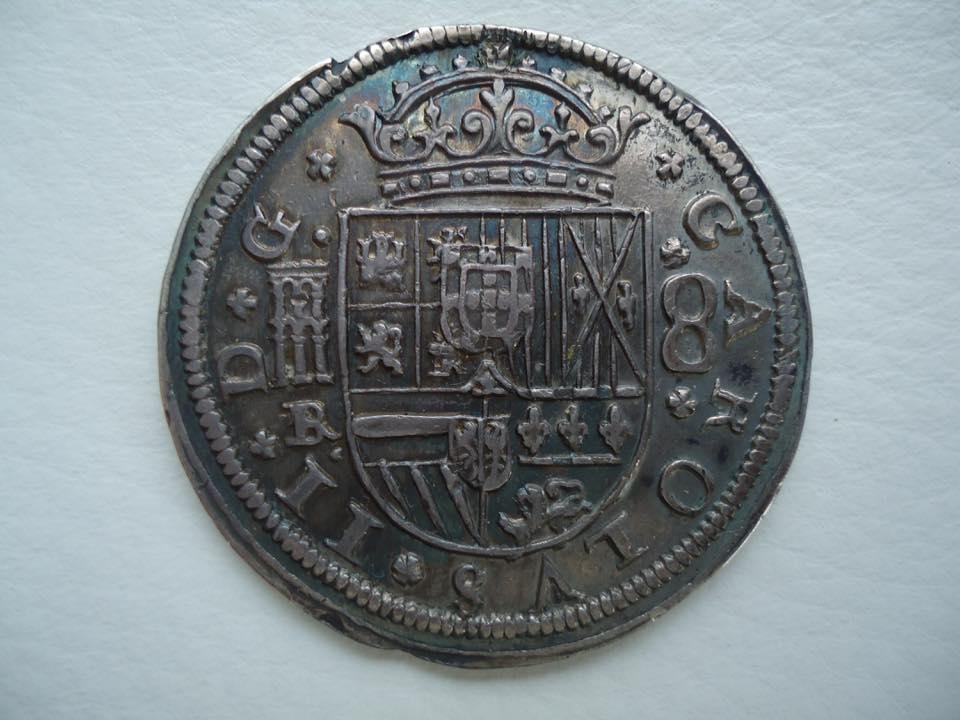 8 Reales 1683/2 Carlos II 3 ,sobre 2 36884010