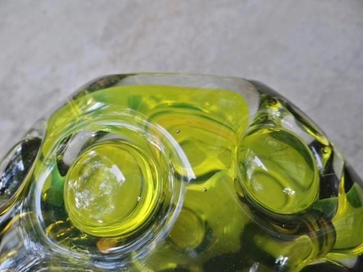 Maker ID Green Cased Glass Bubble Wrap Vase-Skruf? Pic310