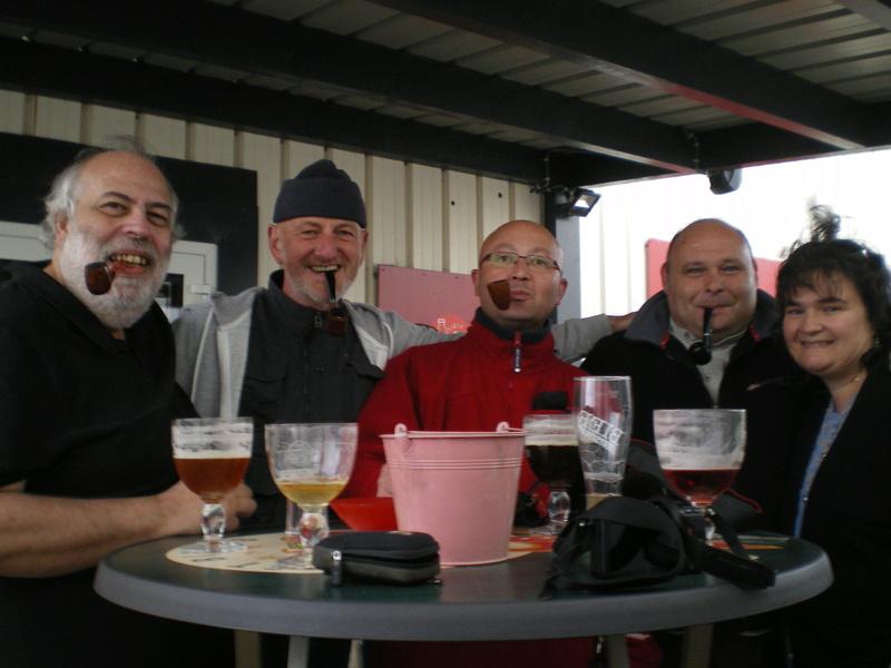 bonne rencontre pour le pipe club de cherbourg - Page 3 Imgp0911