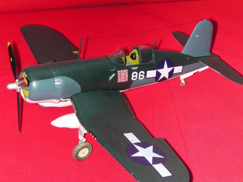 Corsair F4AU-1A 1/48 Tamiya réf.61070 décoration spécifique à mon pseudo............ F4_u_c10