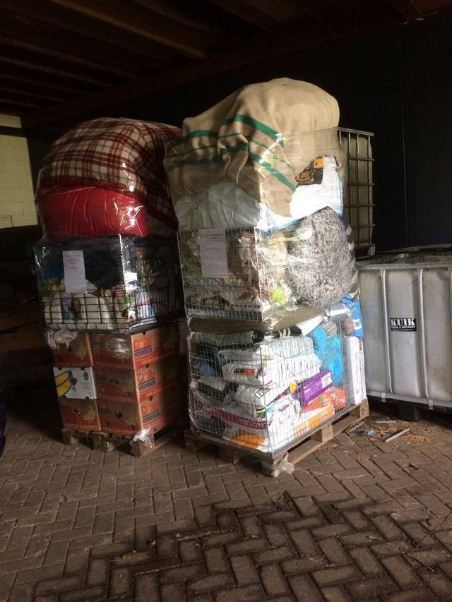 Huellas con Esperanza - Hulp dmv transporten met hulpgoederen. Img_1529