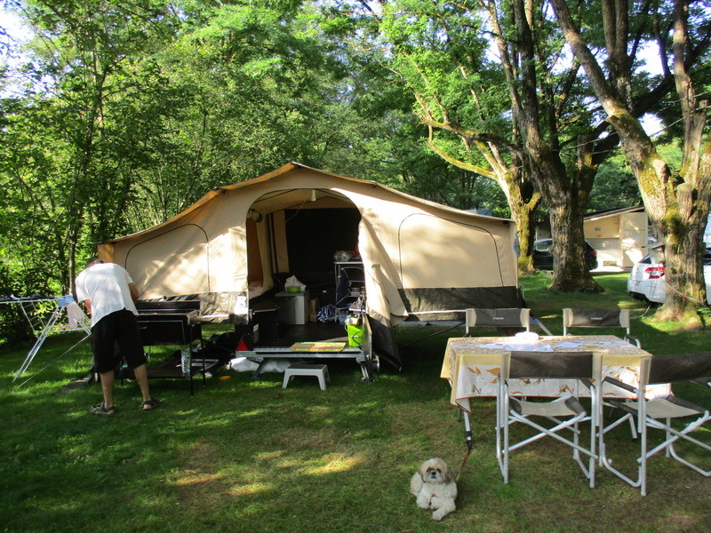 Camping Bellerive à Saint Côme d'Olt Img_0410