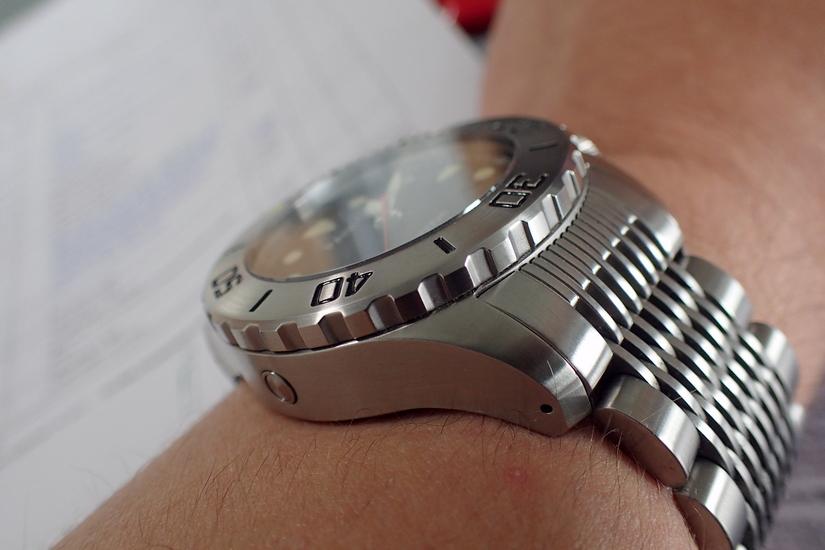 Vos photos de montres non-russes de moins de 1 000 euros - Page 10 P7270010