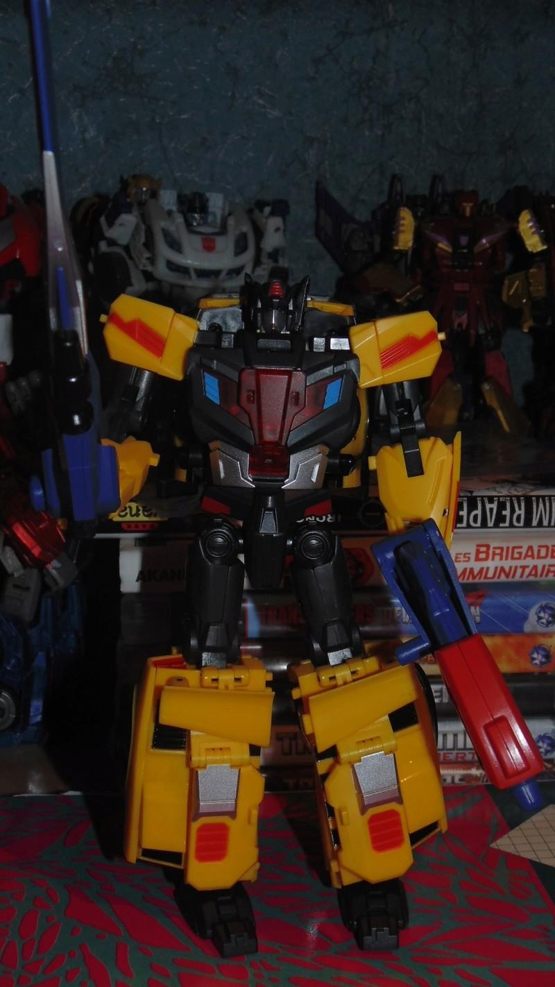 [TFC Toys] Produit Tiers - Jouet Trinity Force aka Road Caesar (Transformers Victory) - Page 3 Dsc07626