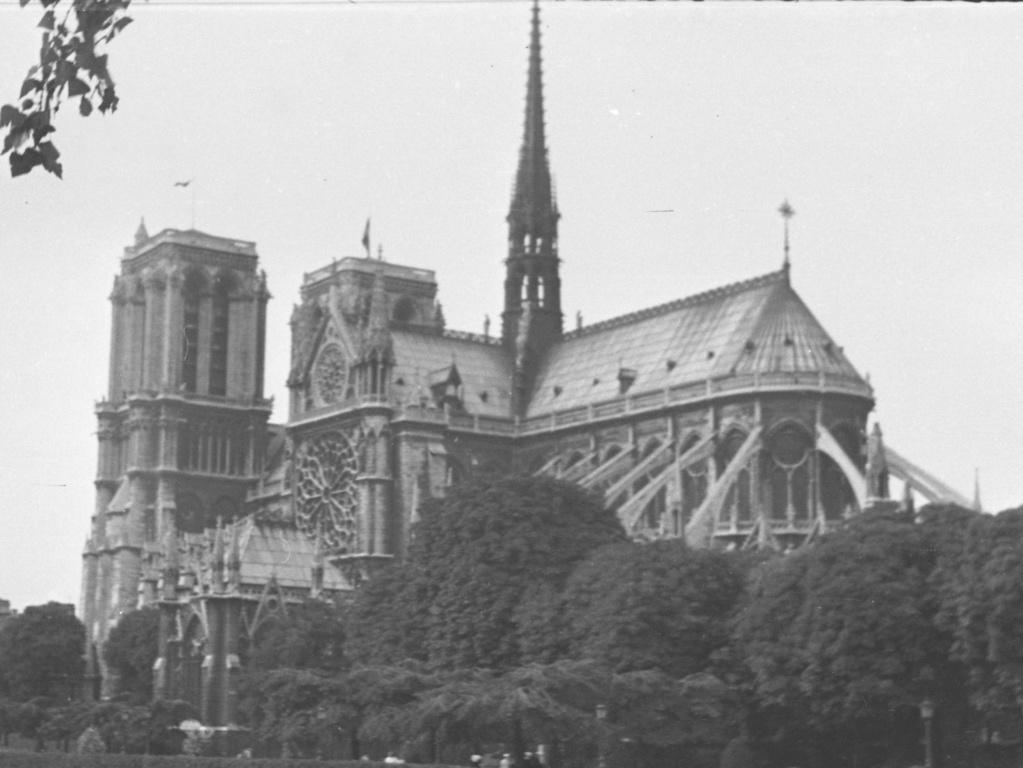 cathédrale de Paris 1944_d11