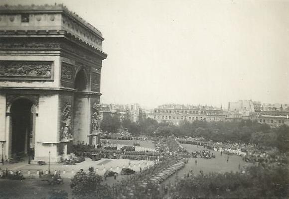 25 août 44 - Descente des Champs Elysées 26_310