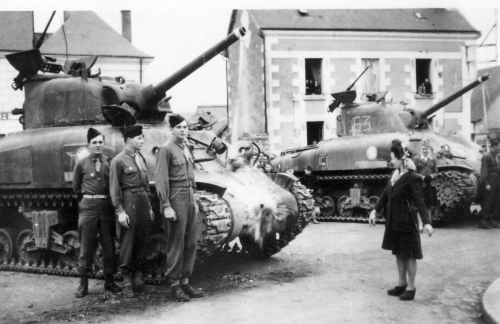 Où ont été prises ces photos de M4A1 du 12ème Cuirs? 2edb_110