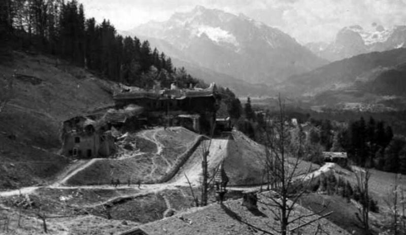 Balembois R. : Le Nid d'Aigle d'Hitler La Vérité Bergho13