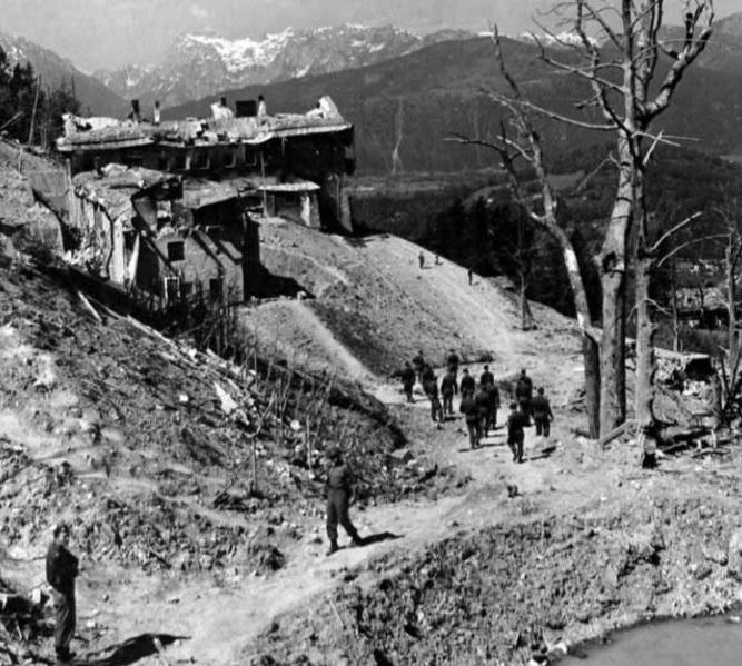 Balembois R. : Le Nid d'Aigle d'Hitler La Vérité Bergho14