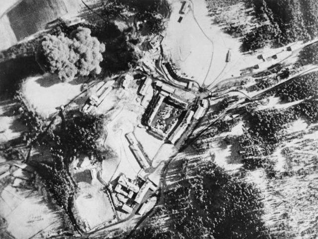 Balembois R. : Le Nid d'Aigle d'Hitler La Vérité Bomb_e10