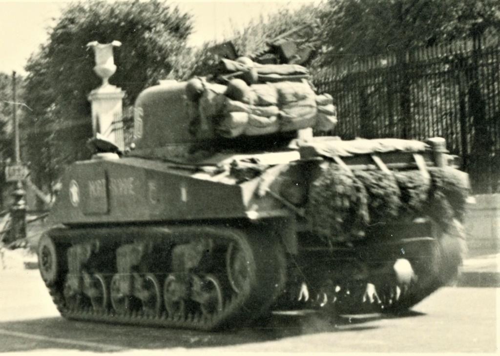 le char MORT HOMME - Page 4 Mort-h14