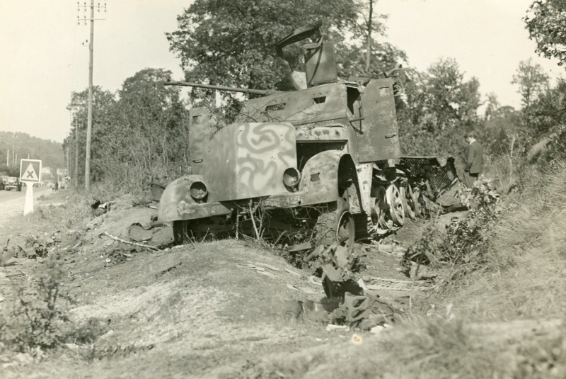 Sherman m4a3 76 mm  Lt Zagrodski Sdkfz_11