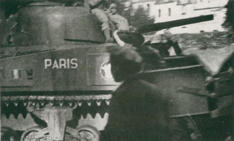 "vieux sujet ( buldozer et Sherman "" Paris "" ) Sherma11"