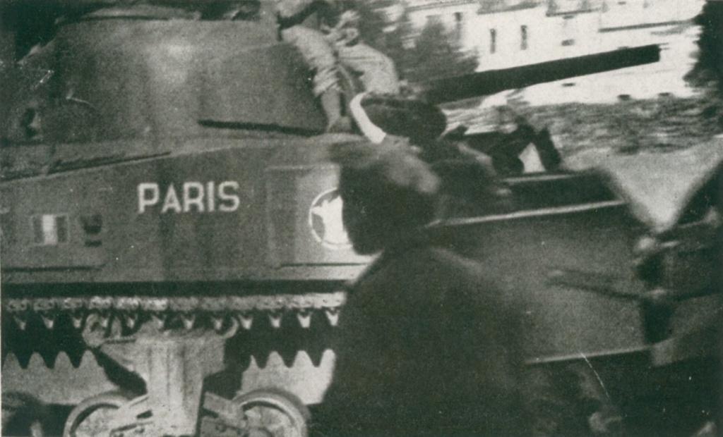 Chateau Gontier (Mayenne), véhicules à identifier Sherma13