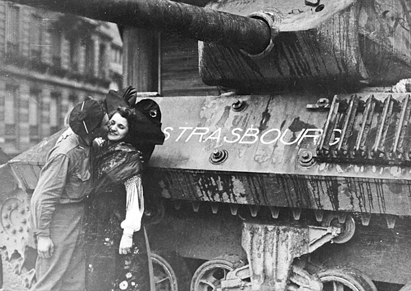 Libération de Strasbourg. Char TD M10 le Strasbourg  Strasb17