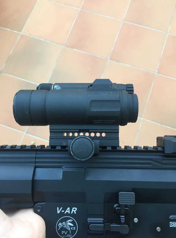Aimpoint M4 occasion  Img_4017
