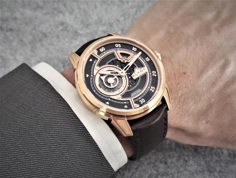 KLYNT Horlogerie Contemporaine Suisse -> on attend vos retours! - Page 4 Gold10