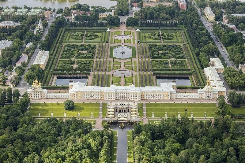 Peterhof, le Versailles russe 1024px10